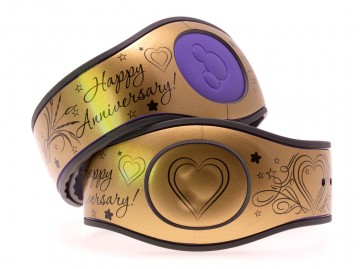 Happy Anniversary on Glossy Gold MagicBand 2 Skin