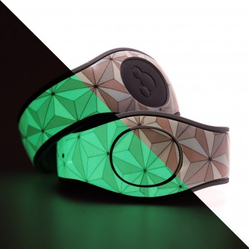 Glow In The Dark Classic Abstract Triangles in Silver MagicBand 2 Skin