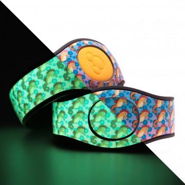 Glow in the Dark Seahorses MagicBand 2 Skin
